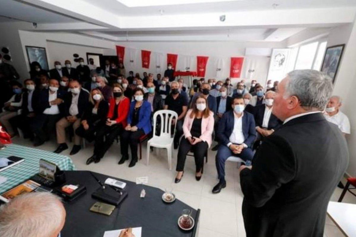 CHP li başkan makam odasına Erdoğan ın fotoğrafını asanları tehdit etti #1