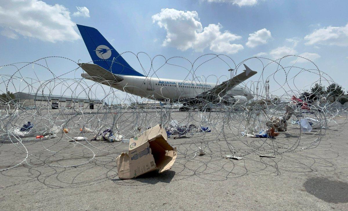 Taliban: Hamid Karzai Havalimanı kullanılmaya devam edecek #1