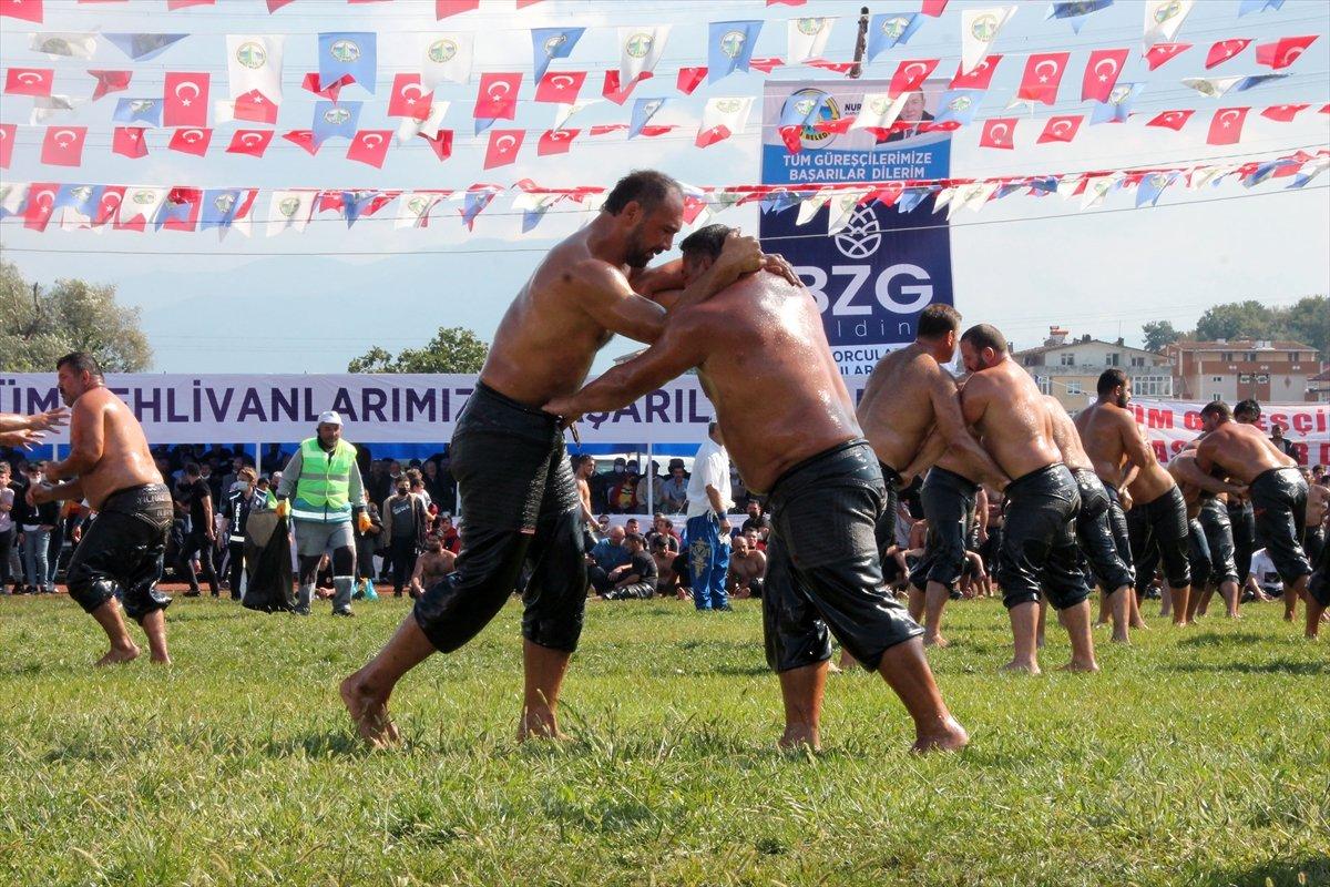İsmail Balaban, Alaplı Yağlı Güreşleri nde ilk kez başpehlivan oldu #1