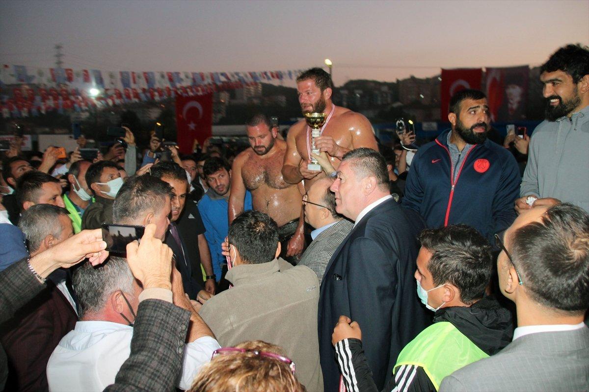 İsmail Balaban, Alaplı Yağlı Güreşleri nde ilk kez başpehlivan oldu #16