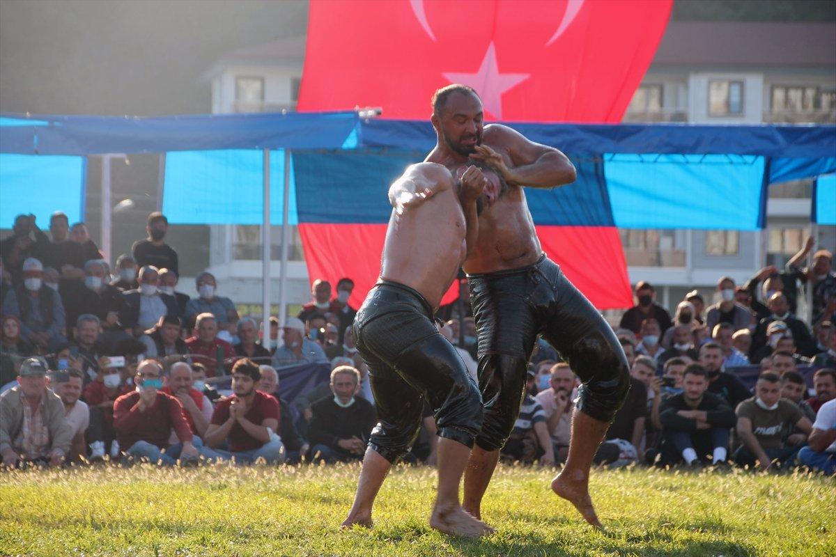 İsmail Balaban, Alaplı Yağlı Güreşleri nde ilk kez başpehlivan oldu #8