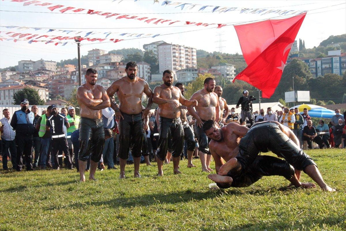 İsmail Balaban, Alaplı Yağlı Güreşleri nde ilk kez başpehlivan oldu #6