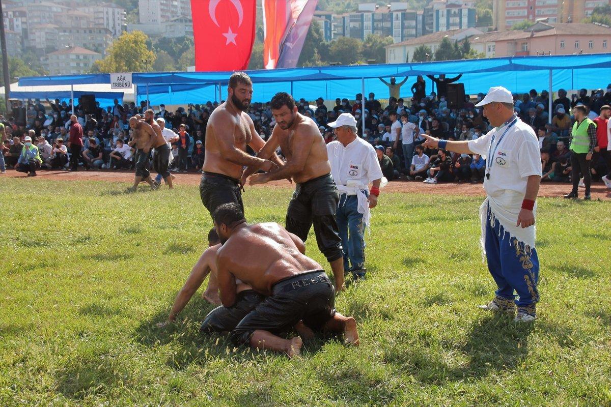 İsmail Balaban, Alaplı Yağlı Güreşleri nde ilk kez başpehlivan oldu #3
