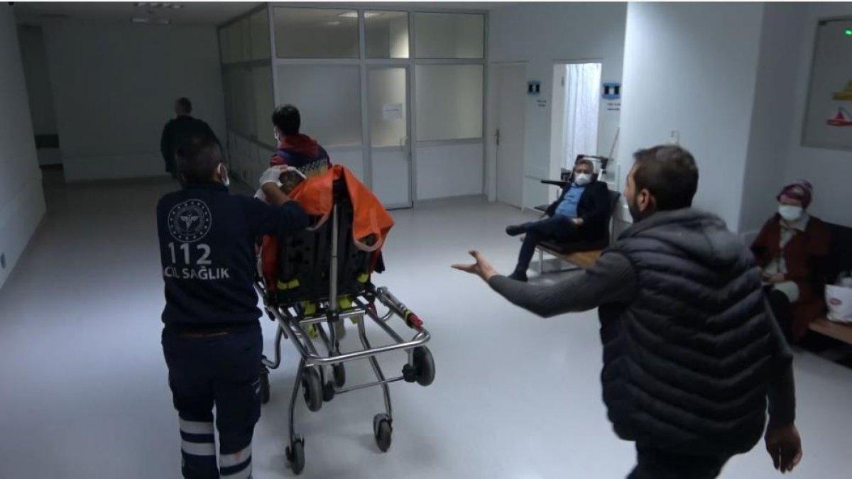 Samsun da saldırıya uğrayan adamın yakını sağlıkçılara tepki gösterdi #4