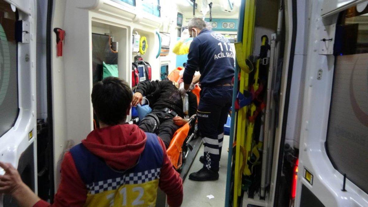 Samsun da saldırıya uğrayan adamın yakını sağlıkçılara tepki gösterdi #3