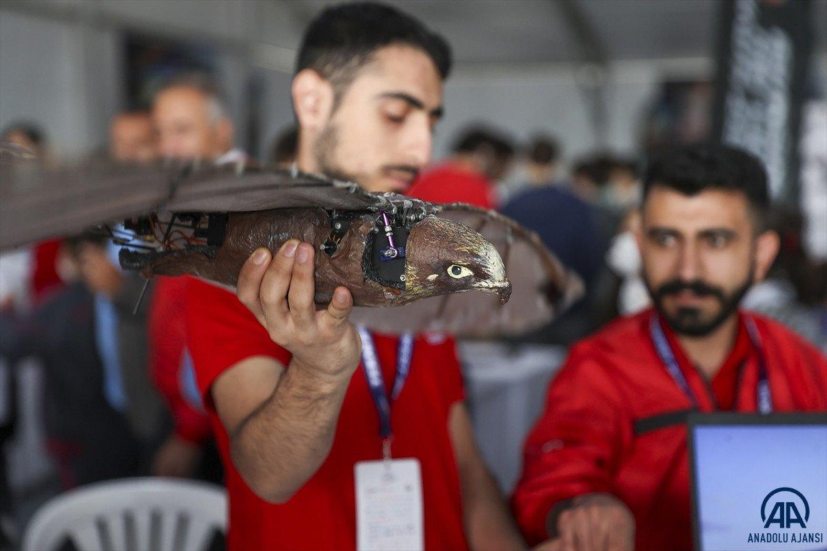 Ağrılı öğrencilerin yaptığı  robot kuş atmaca  TEKNOFEST te sergilendi #4