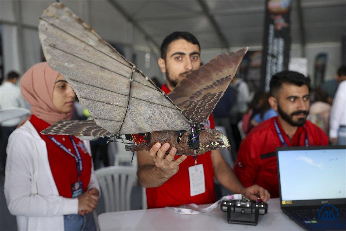 Ağrılı öğrencilerin yaptığı  robot kuş atmaca  TEKNOFEST te sergilendi #2