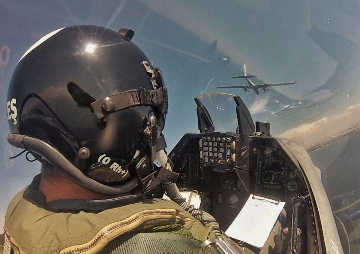 F-16 kokpitinin içinden nefes kesen görüntüler #4