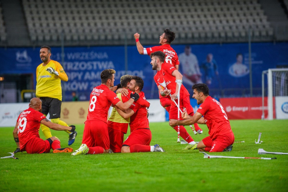 TFF den Ampute Milli Futbol Takımı na 1.5 milyon lira ödül #3