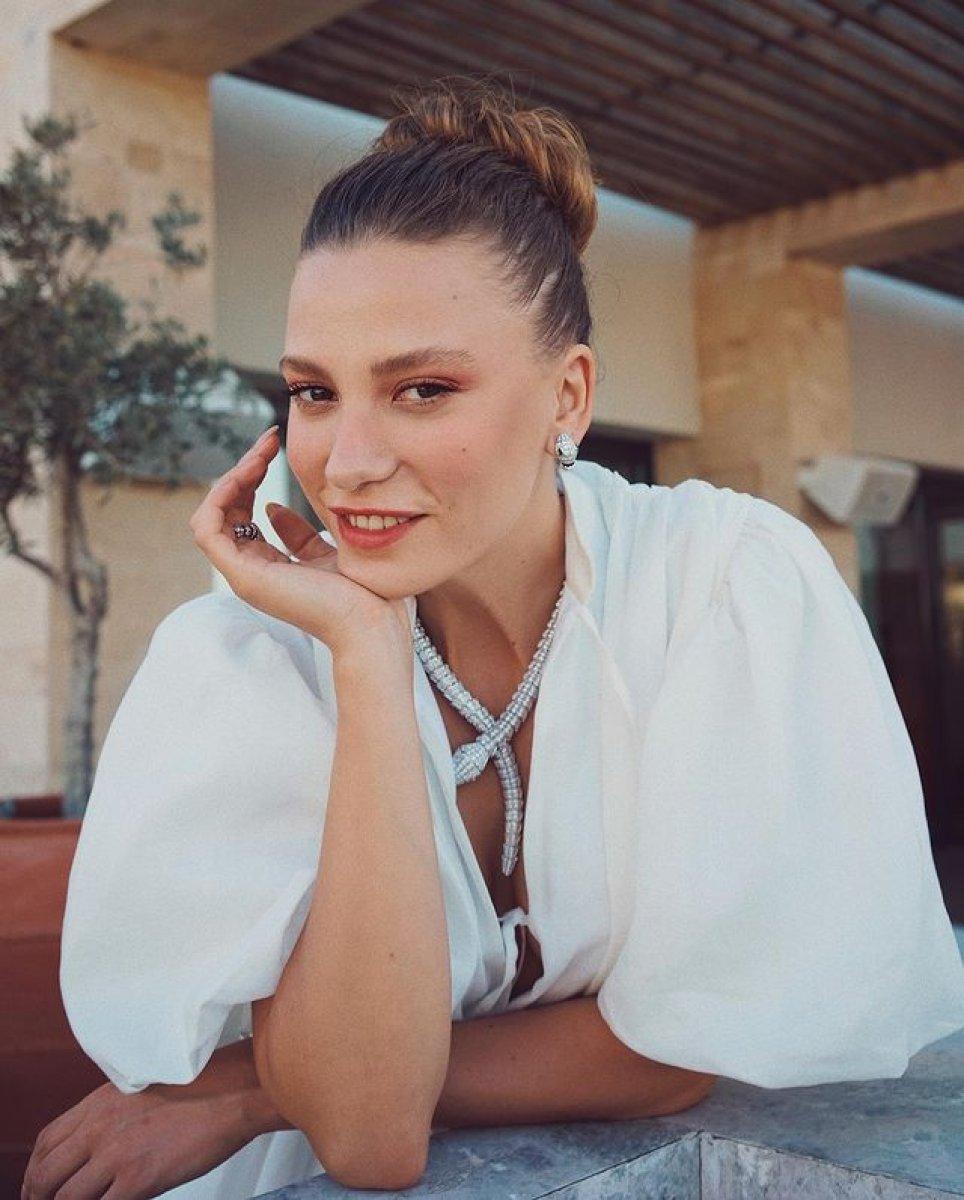 Serenay Sarıkaya, 7 milyon TL lik anlaşma yaptı #1