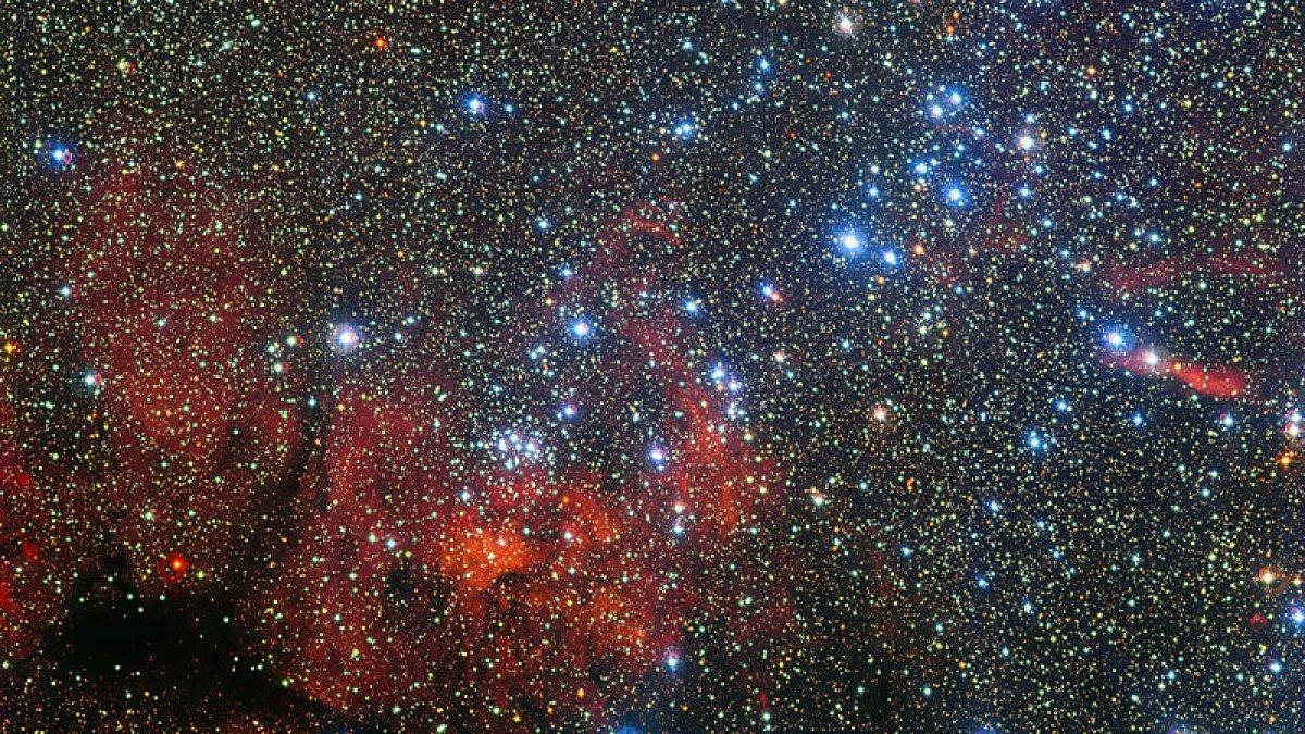 Hubble, Samanyolunun kalbindeki yıldız kümesini görüntüledi