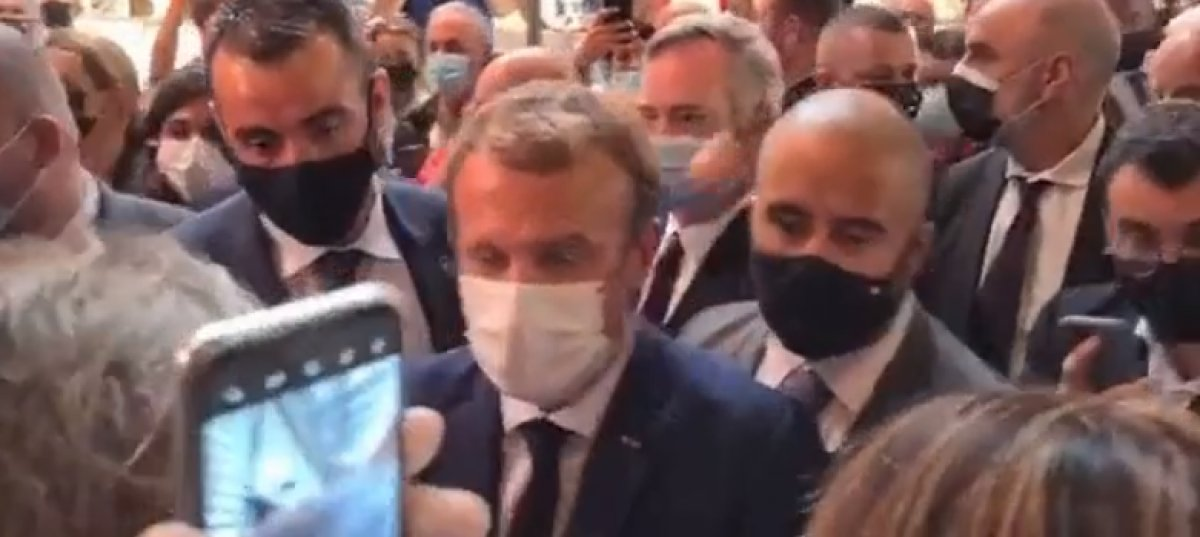 Emmanuel Macron a yumurtalı saldırı #1