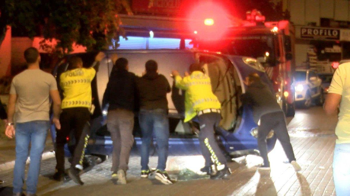 Kartal da direksiyon hakimiyetini kaybeden sürücü otomobiliyle takla attı #1