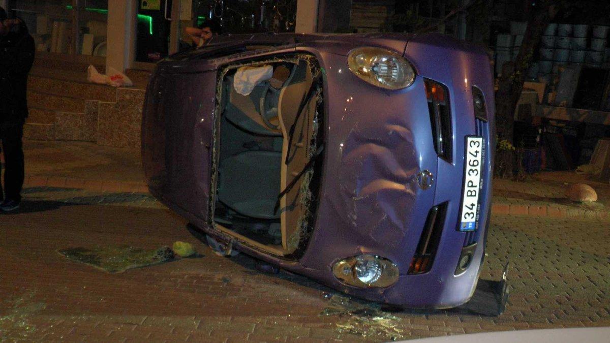 Kartal da direksiyon hakimiyetini kaybeden sürücü otomobiliyle takla attı #2