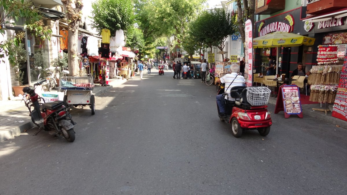 Ada sakinlerinden elektrikli araçların kaldırılması kararına tepki #2