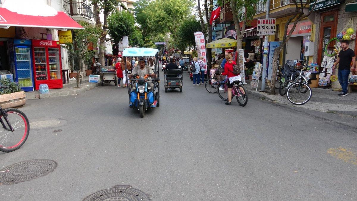 Ada sakinlerinden elektrikli araçların kaldırılması kararına tepki #1