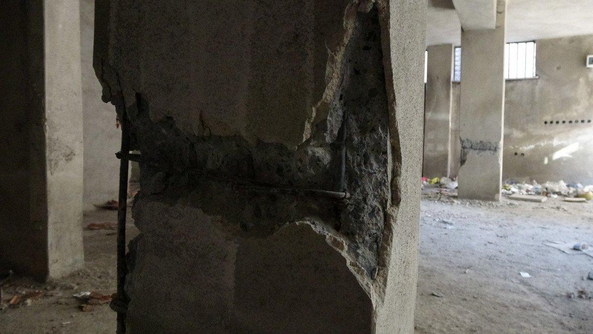 Sultangazi'de, 150 kişinin yaşadığı binanın kolonlarını keserken yakalandılar #2