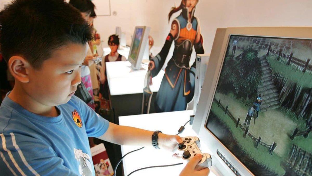 Çinden 16 yaş altı çocuklara canlı yayın yasağı