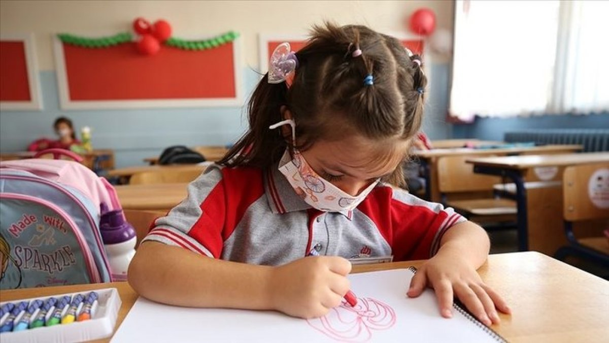 Fahrettin Koca: Okullar kesinlikle kapanmayacak  #2