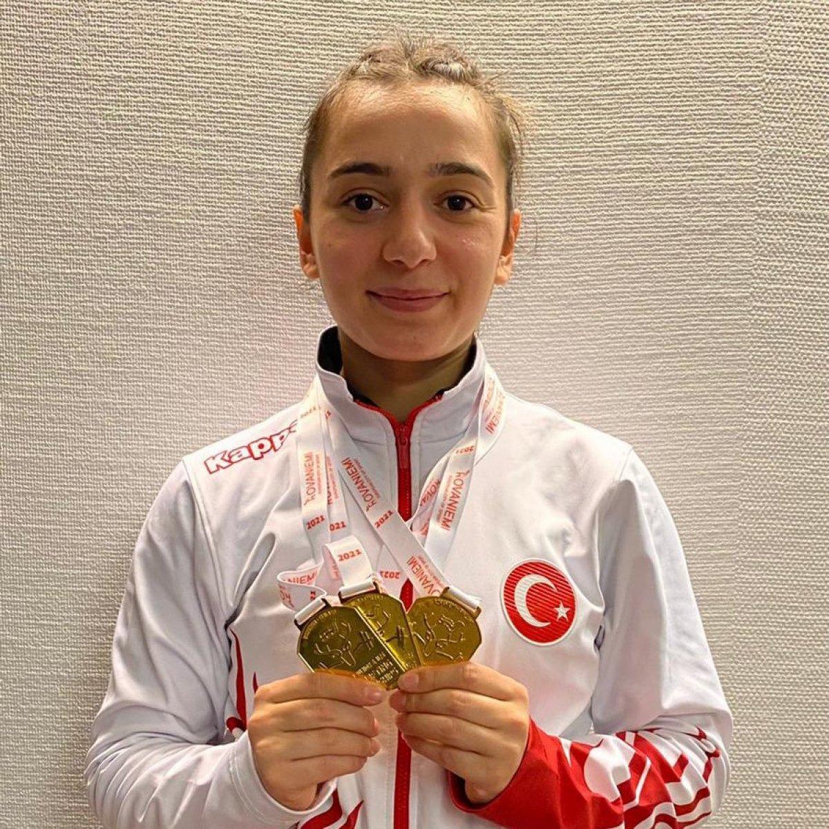 Genç halterci Nuray Levent 3 altınla Avrupa Şampiyonu #2