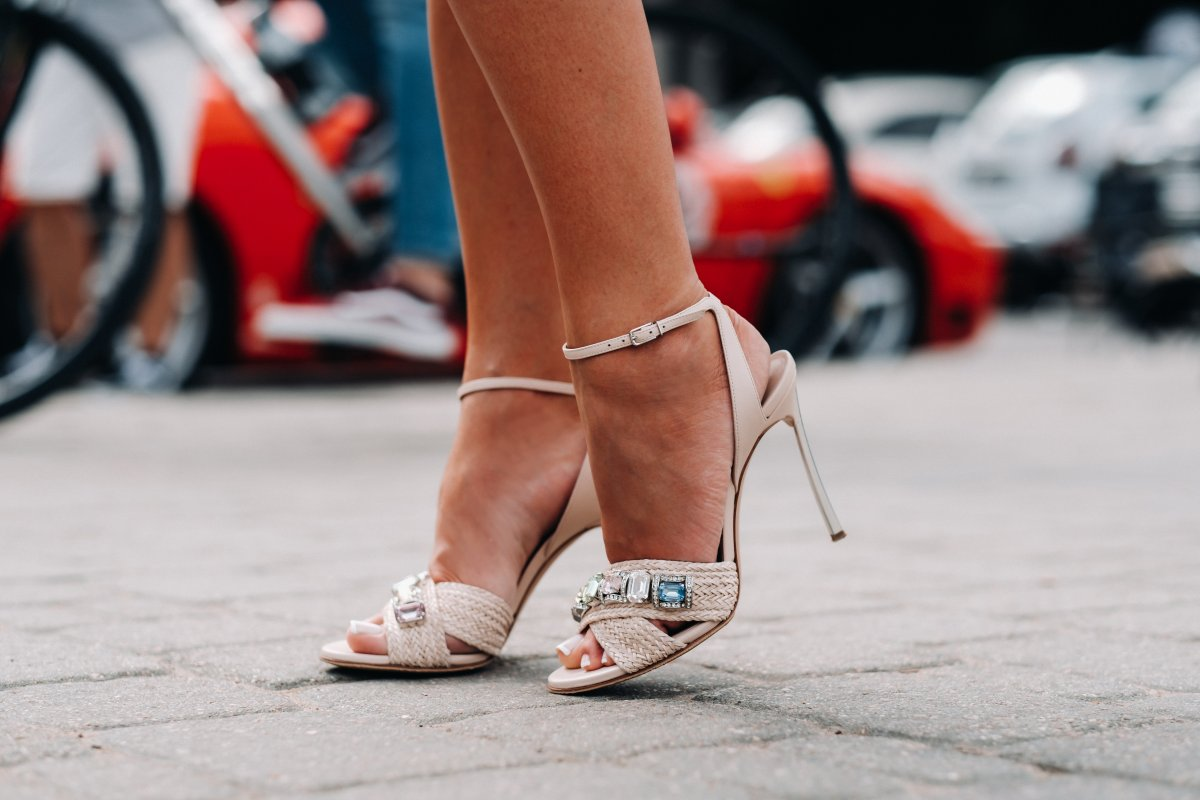 Topuklu ayakkabıların neden olduğu 7 sağlık sorunu #2