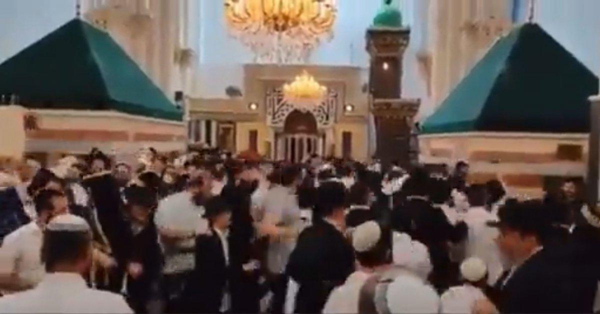 Halil İbrahim Camii'nde Yahudilerin toplu dansı #1