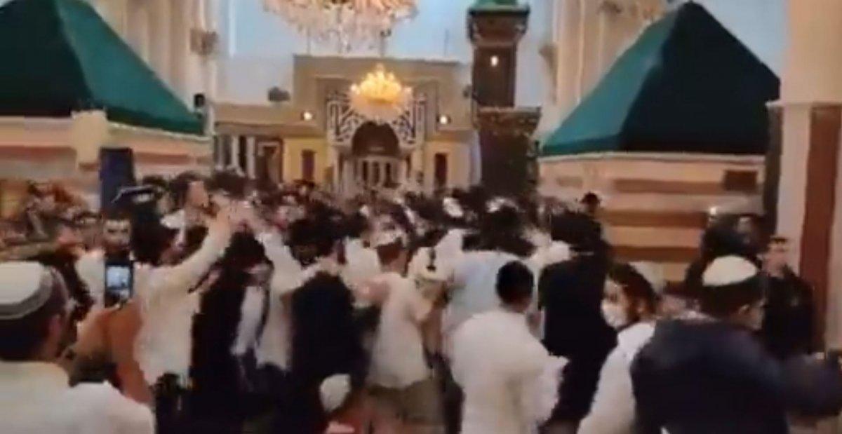 Halil İbrahim Camii'nde Yahudilerin toplu dansı #2