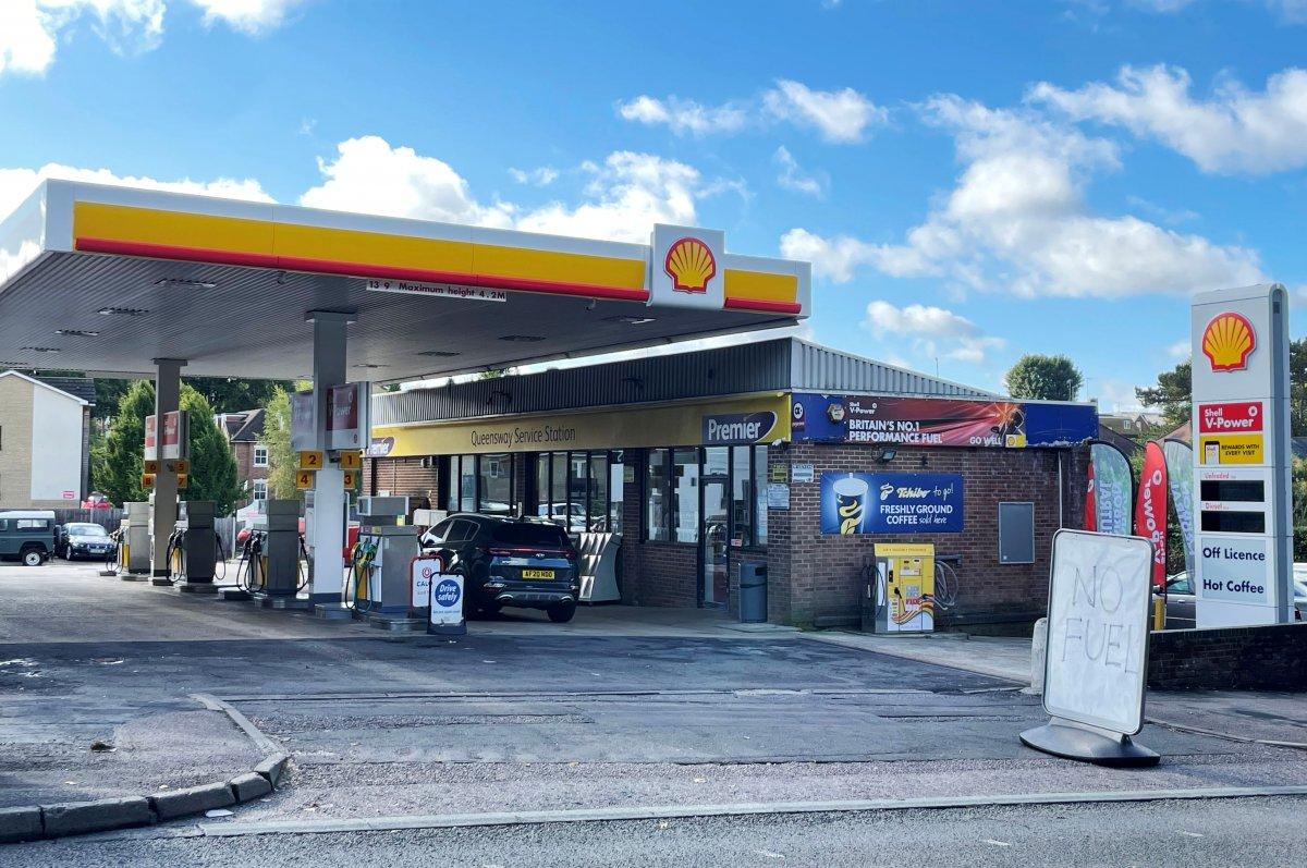 İngiltere deki yakıt krizi sağlık sektörünü de etkilemeye başladı #5