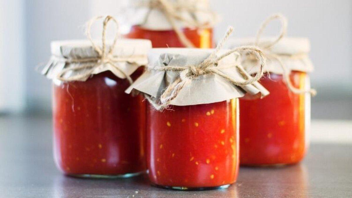 Çürüyen domatesleri sakın çöpe atmayın! Konserve, salça, maske, fide… #2