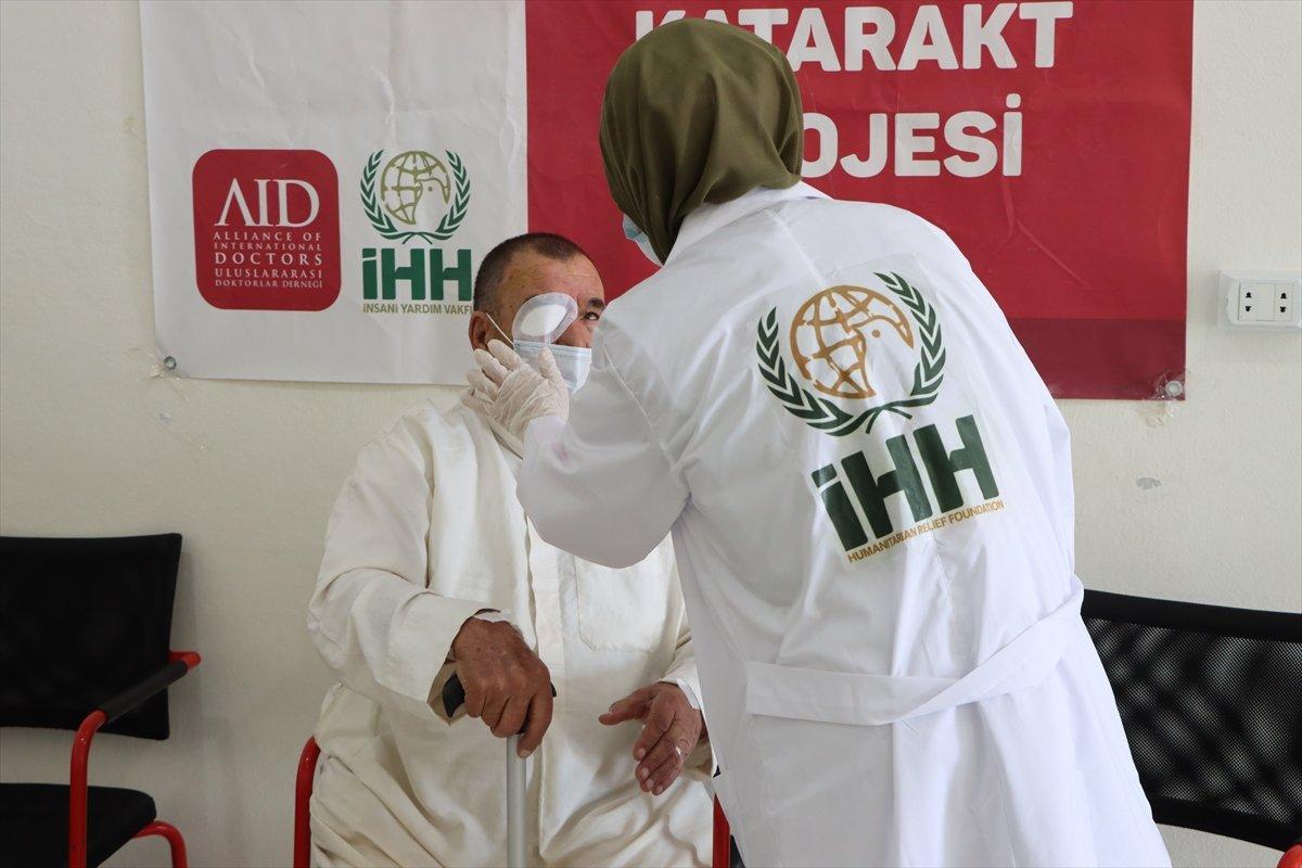 İdlib de açılan Göz Sağlığı Merkezi nde tedaviler sürüyor #3