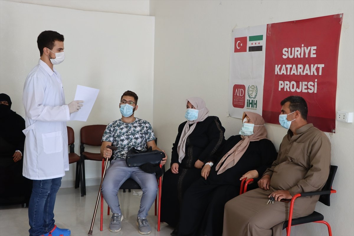 İdlib de açılan Göz Sağlığı Merkezi nde tedaviler sürüyor #5
