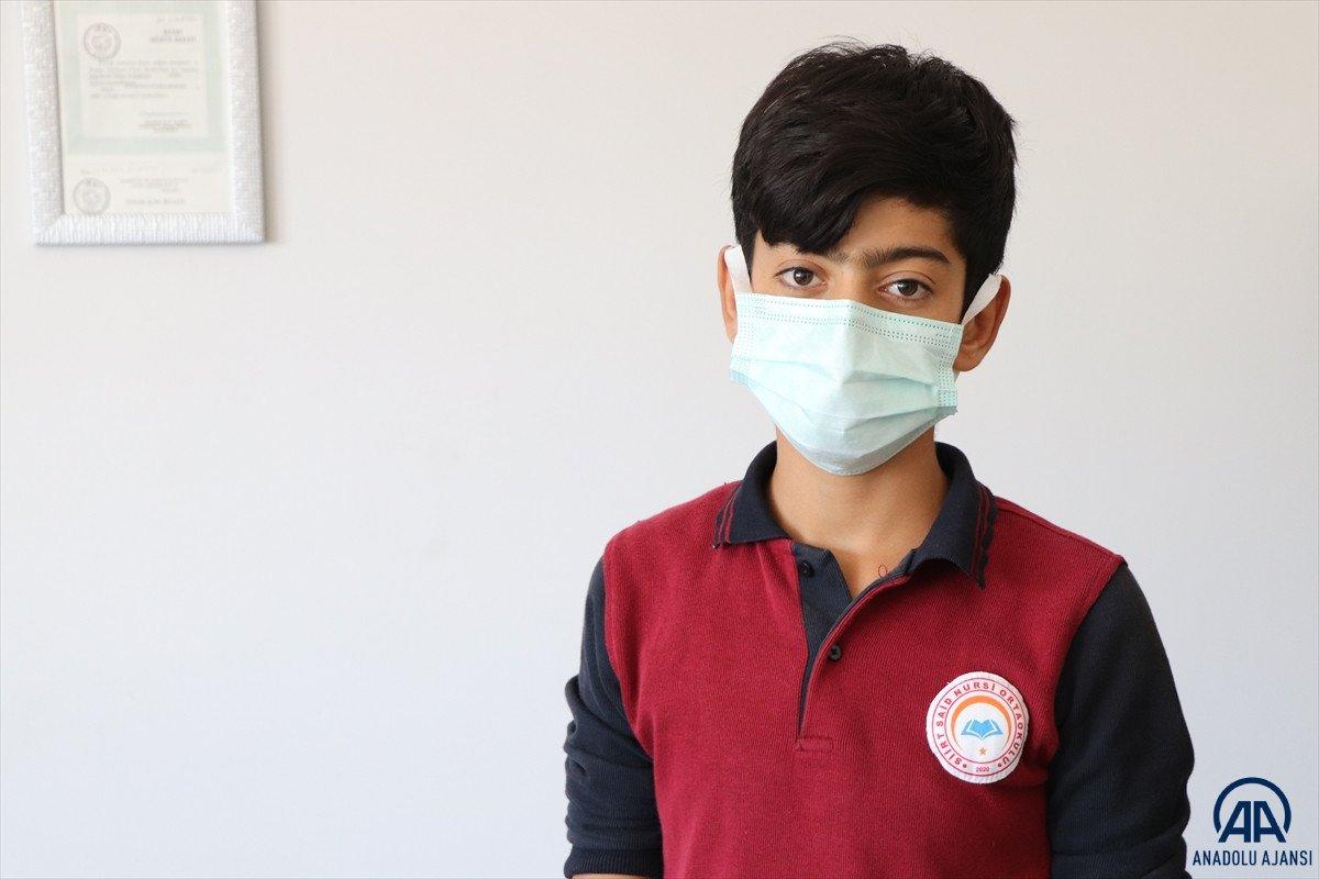 Siirt te dili boğazına kaçan öğrenciyi, öğretmeni kurtardı #5