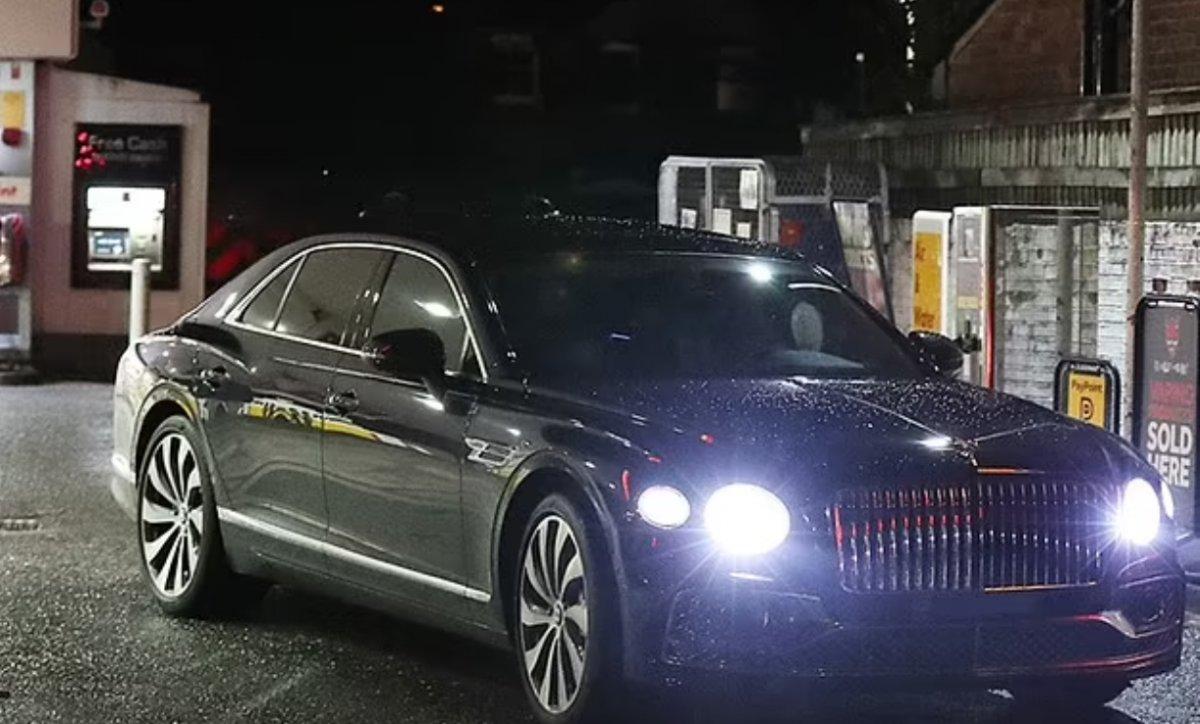 Cristiano Ronaldo İngiltere de benzin kuyruğunda #3