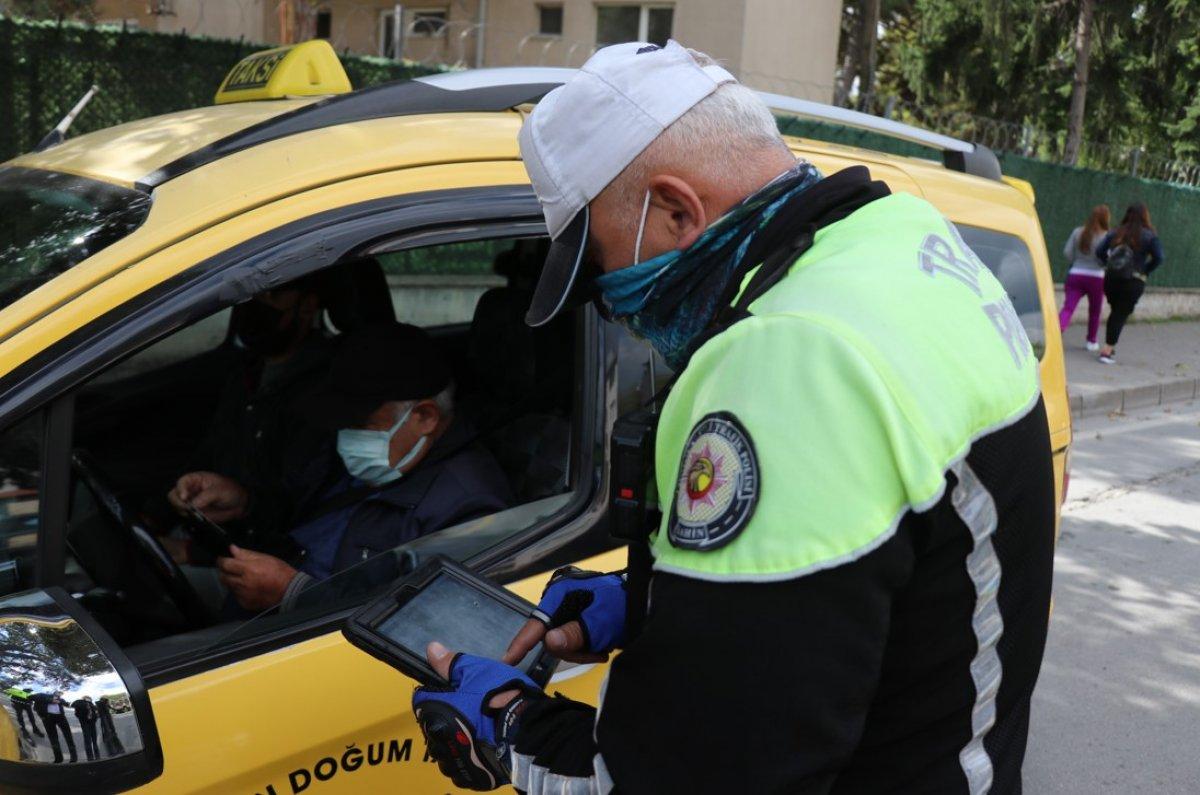 Bolu'da trafik ekipleri, taksimetre açmayan sürücülere ceza kesti #3