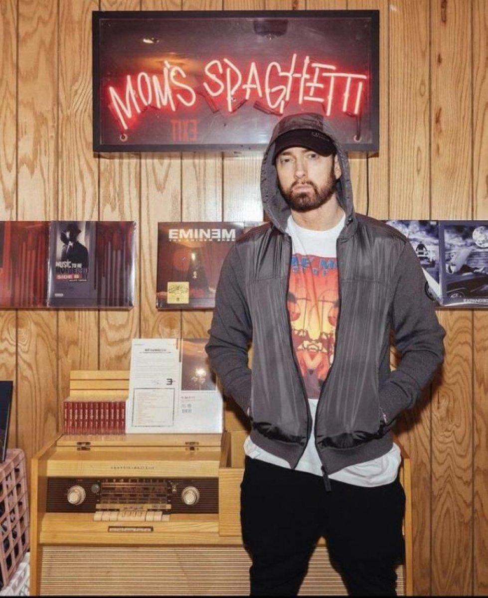 Eminem in yeni mesleği: Makarnacılık #2