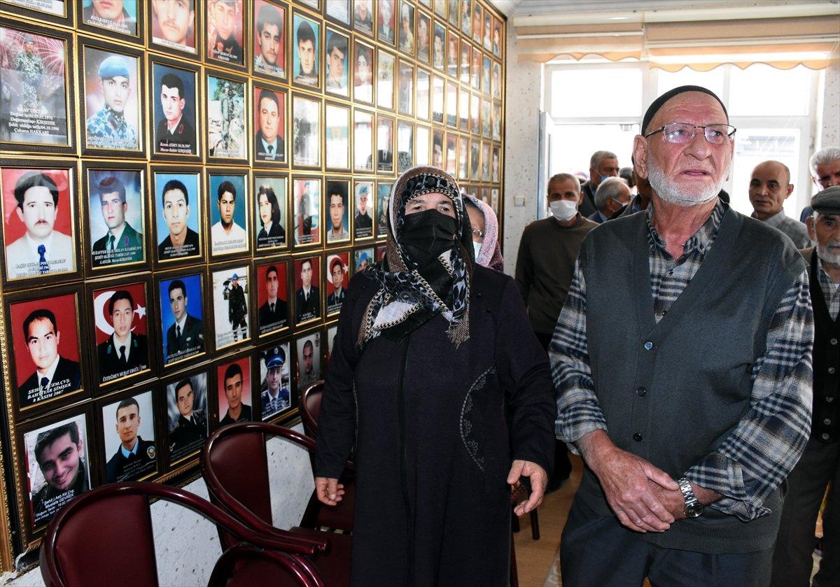 Kırşehir de şehit aileleri, terörist sevici CHP li vekile tepki gösterdi #2