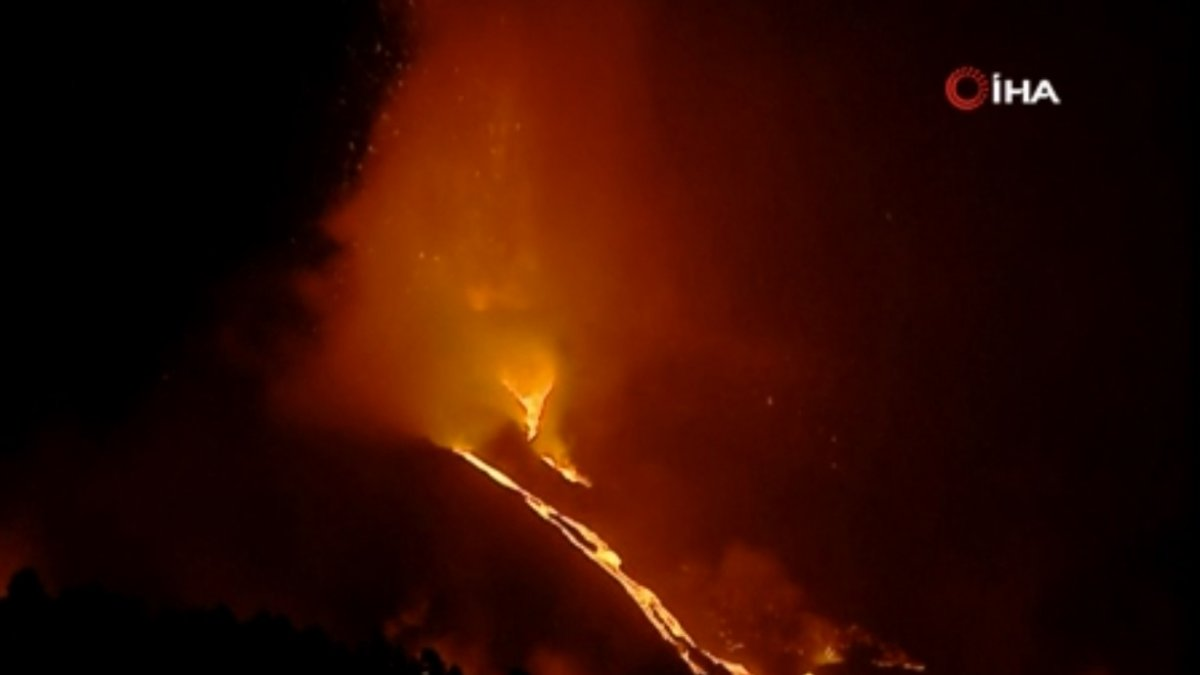 Erupción volcánica en España: la lava continúa fluyendo hacia el océano # 5