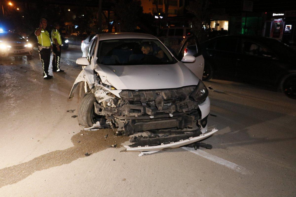 Adana da kaza yaptıktan sonra bir kişiyi bıçaklayıp, kaçtılar #1