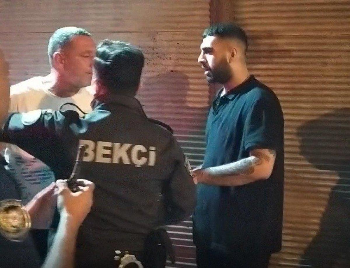 Adana da kaza yaptıktan sonra bir kişiyi bıçaklayıp, kaçtılar #3