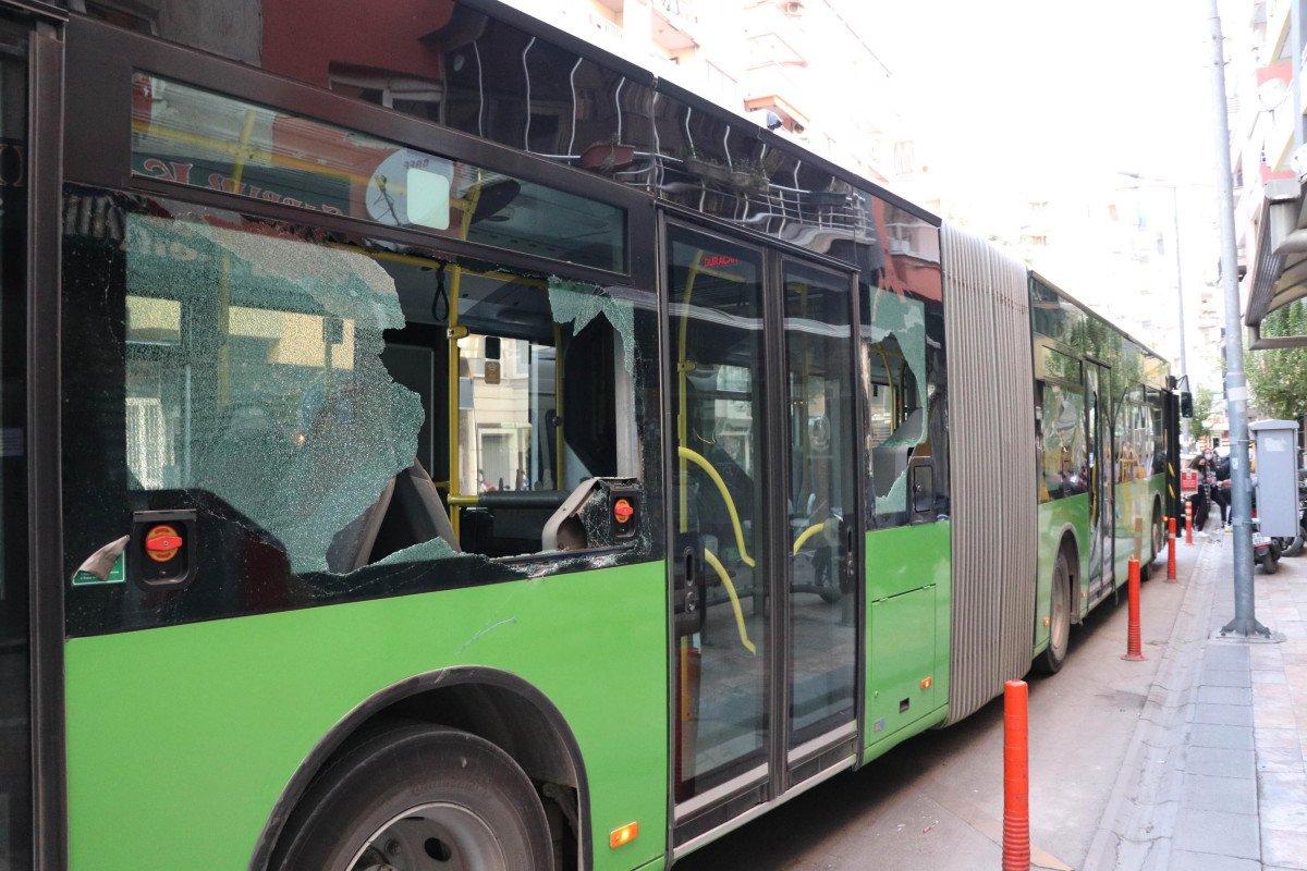 Denizli de yük asansörünün sepeti belediye otobüsüne çarptı  #3