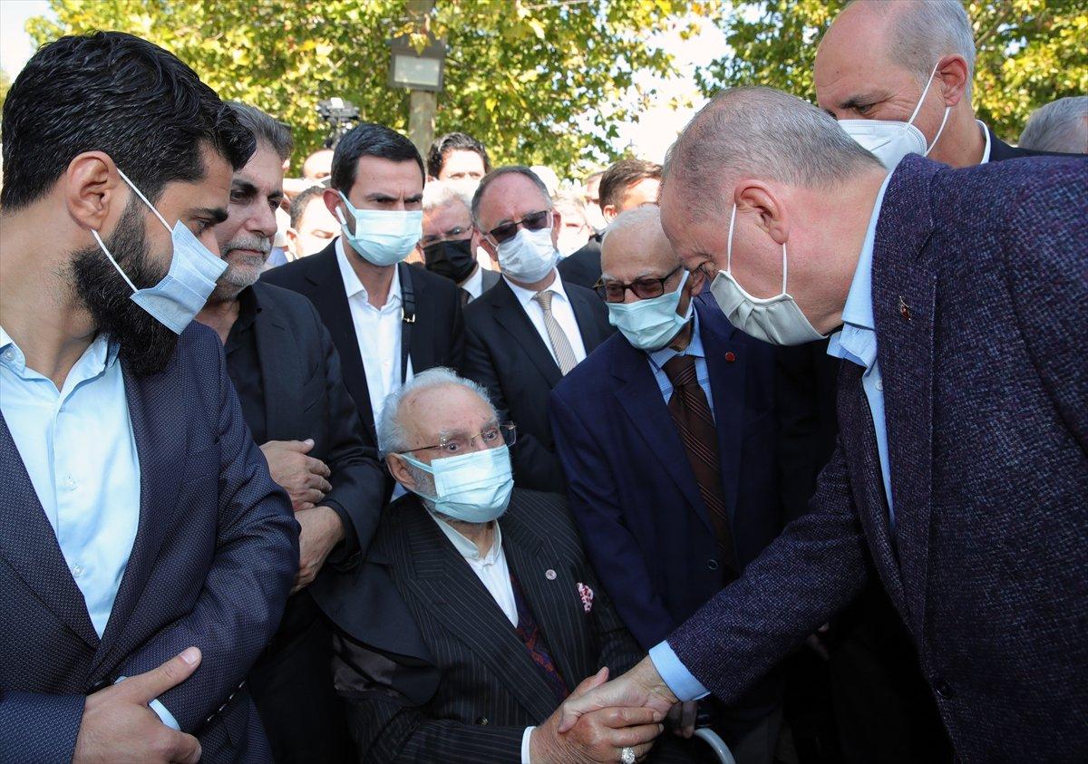 Cumhurbaşkanı Erdoğan, Ahmet Davutoğlu nun yüzüne bakmadı #1