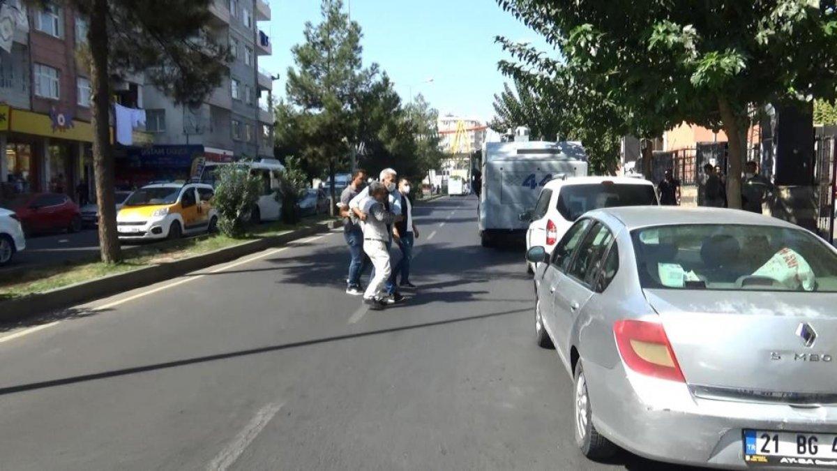 Diyarbakır da evlat hasreti çeken aileler İHD ye tepki gösterdi #1