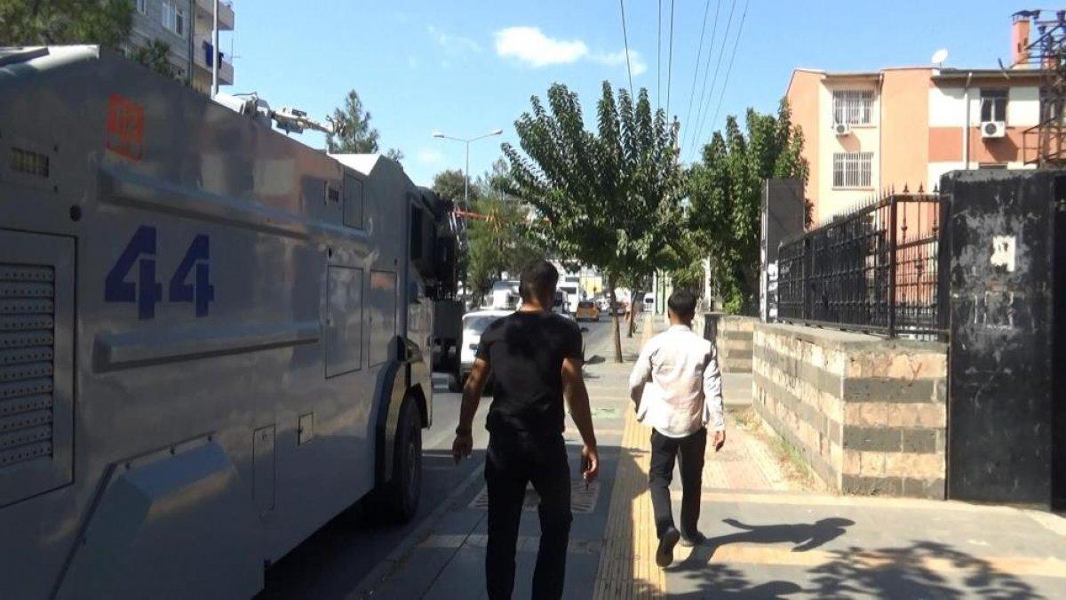Diyarbakır da evlat hasreti çeken aileler İHD ye tepki gösterdi #8
