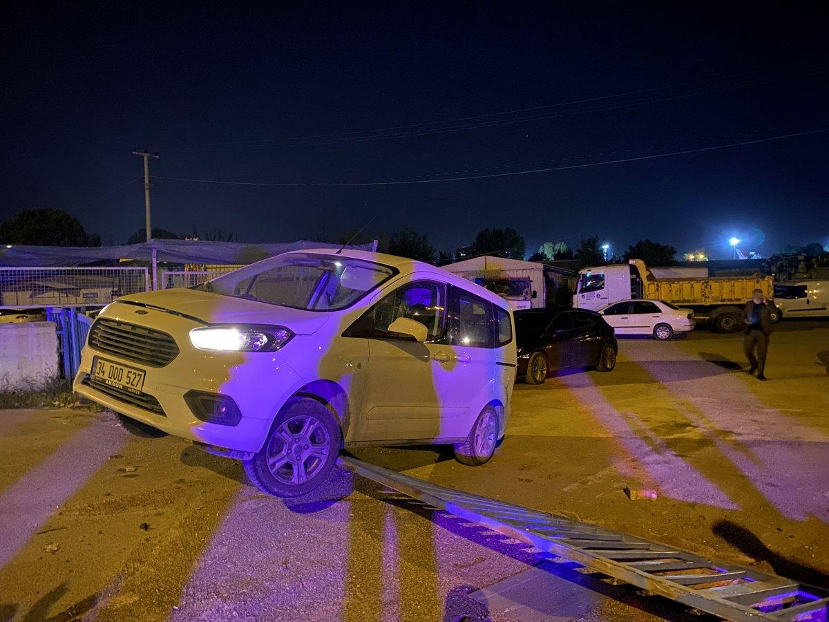 Sakarya da alkollü iki kişi kamyonet çalarak, etrafa dehşet saçtı #2