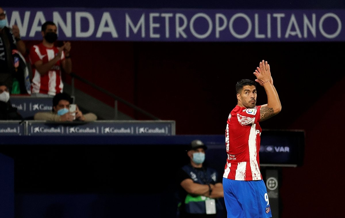 Atletico Madridli Suarez, eski takımı Barcelona ya ilk golünü attı #6