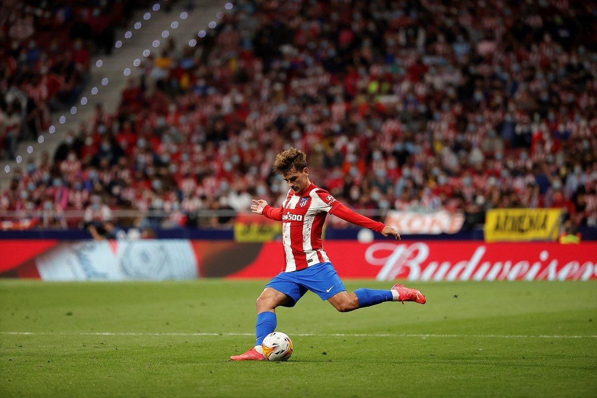 Atletico Madridli Suarez, eski takımı Barcelona ya ilk golünü attı #5