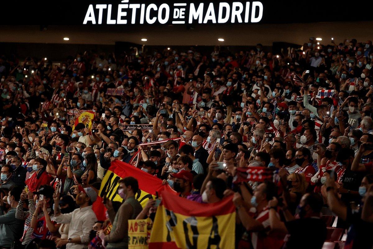 Atletico Madridli Suarez, eski takımı Barcelona ya ilk golünü attı #2