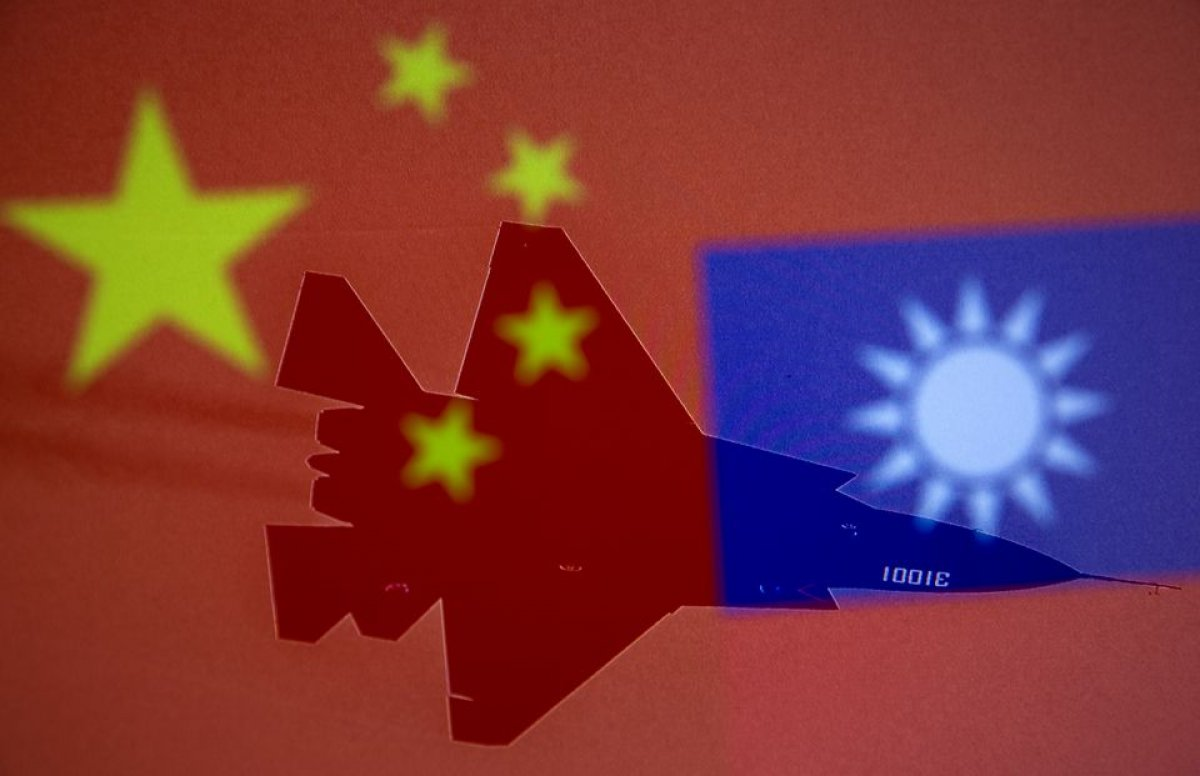 Çin, 38 savaş uçağıyla Tayvan hava sahasını ihlal etti #2