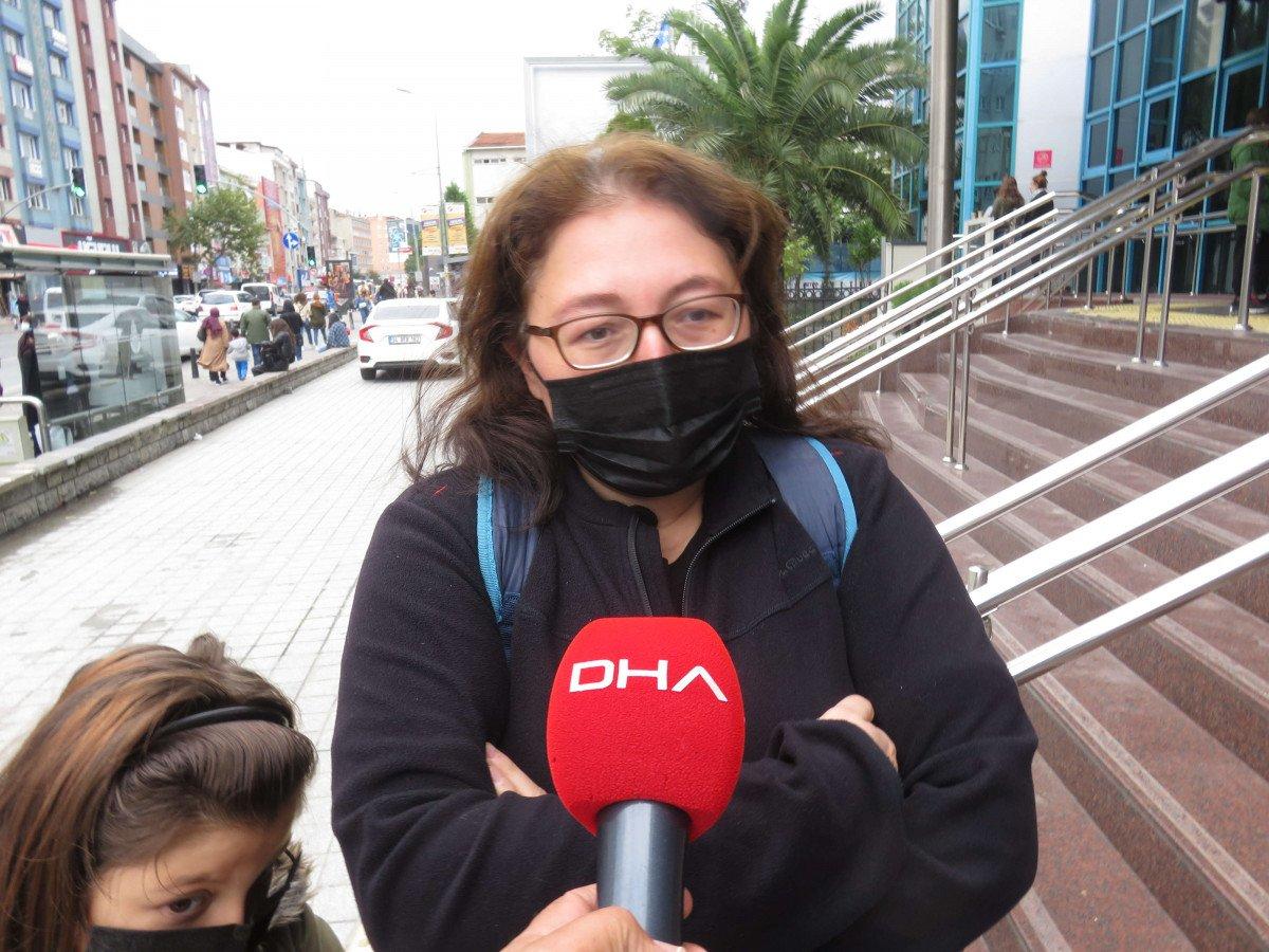 Ümraniye'de, İstanbulkart başvuru merkezi önünde uzun kuyruklar oluştu #6