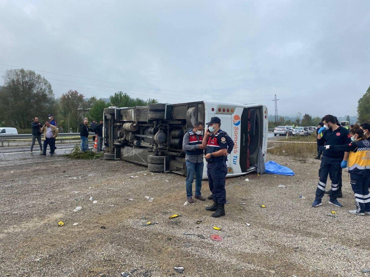 Bartın da MHP toplantısına giden otobüs kaza yaptı #2